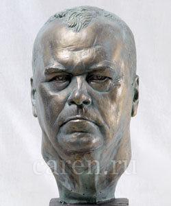 Бюст В.В. Мищенко