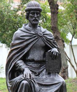Памятник Святому благоверному князю Игорю Черниговскому