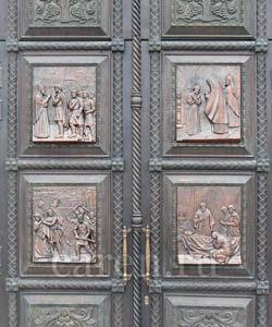 """Рельеф """"Ворота храма Святого Благоверного Великого Князя Игоря Черниговского"""""""