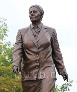 Памятник Федотовой А.С.